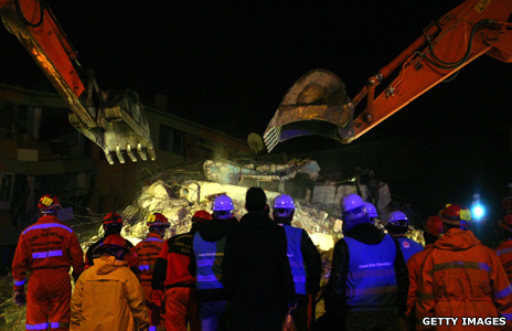 Diggers in the Turkish earthquake