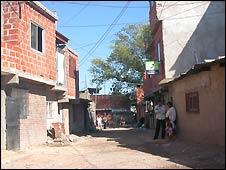 Bbc mundo econom a el boom de las villas miseria for Villas miserias en argentina