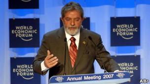 Resultado de imagem para Lula é o primeiro presidente a receber o prêmio de Estadista Global do Fórum Econômico de Davos