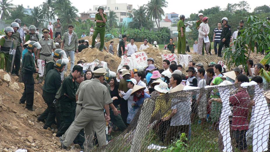 Image result for Cửơng Chế Đất