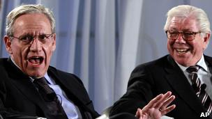 Bob Woodward (izq.) y Carl Bernstein