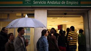 Bbc mundo noticias la crisis saca a los inmigrantes de for Oficina de desempleo malaga