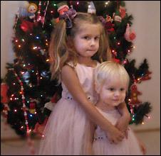 Мила и ее сестра Ева