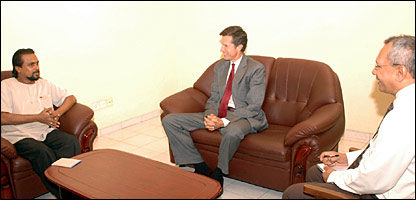 Wimal Weerawansa meeting US ambassador in Colombo (JVP photo)