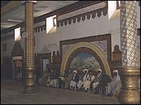 خانه نگاری در تالار ولایت هرات، کاری از استاد مشعل و شاگردانش