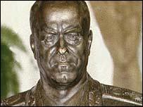 Zhukov là anh hùng nhưng cuộc đời cũng truân chuyên
