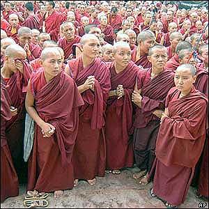 Jovens monges budistas (AP)