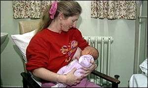 Bebês que mamam no peito têm QI mais alto