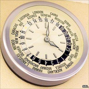 b59c1ad9e436 El estándar internacional del tiempo se calcula con una red de más de 300  relojes en todo el mundo ...