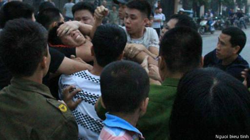 Người biểu tình Nguyễn Văn Phương bị tấn công trong lần biểu tình chống Trung Quốc mới đây nhất