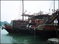 Thuyền ở vùng biển phía Bắc Việt Nam